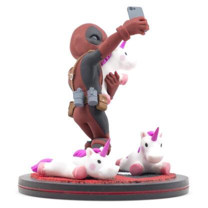 Quantum Mechanix Deadpool #unicornselfie Q-Fig Diorama Angle 1