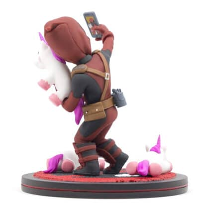 Quantum Mechanix Deadpool #unicornselfie Q-Fig Diorama Angle 3